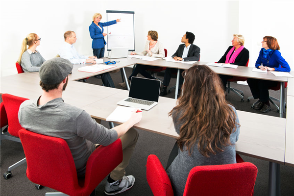 5 Tips for Holding the Perfect HOA Board Meeting