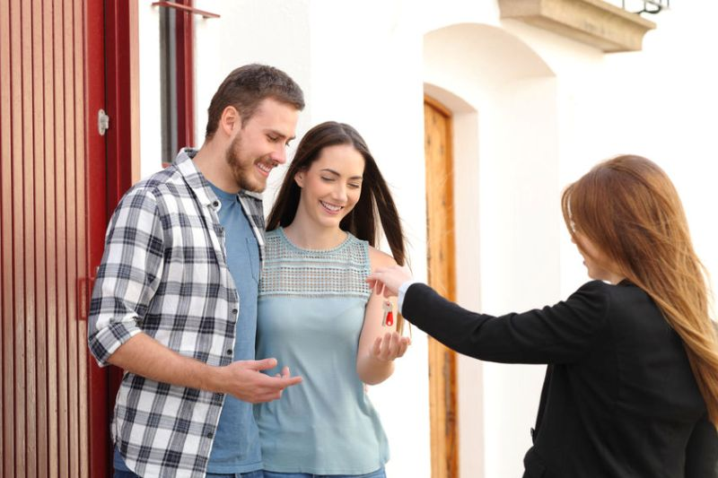 How to Attract New Residents to Your HOA Community