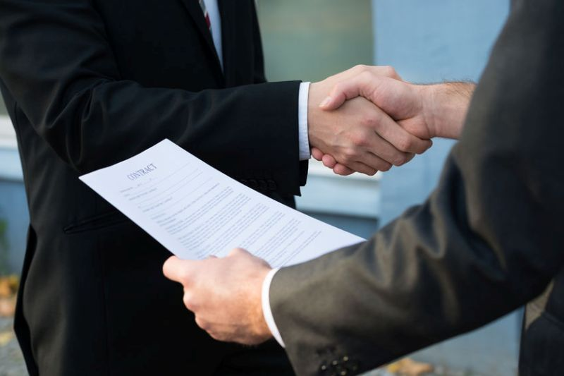 How to Sign Smart Vendor Contracts