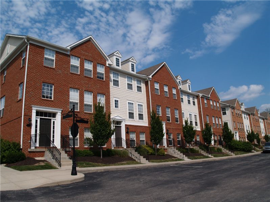 Condos vs. Co-ops vs. Townhomes. What's the difference?